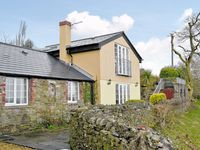 Our second visit to this lovely property, very friendly and helpful hosts, well equipped and comfort