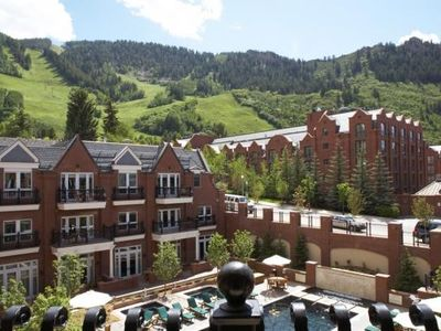 Pool and Aspen Mountain View