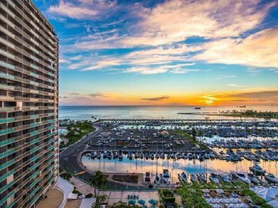 Photo for Ilikai 727 - Awesome Sunset & Ocean View Suite