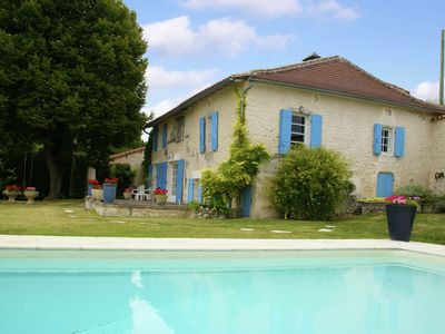 Photo for Large house on an estate with swimming pool and water slide, near Lusginac (2 km)