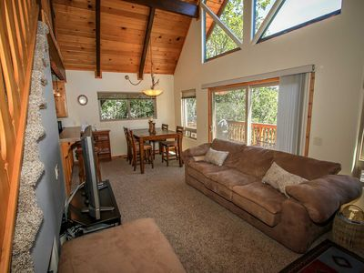 Photo for House in Big Bear with Parking, Internet, Washing machine, Balcony (983568)