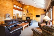 Perfect Family Space with Lots of Room-Step Out the Door for Mountain Fun