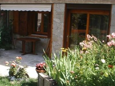 Photo for Studio on the ground floor of a chalet located 200 m from the slopes, sleeps 4, fully equipped.
