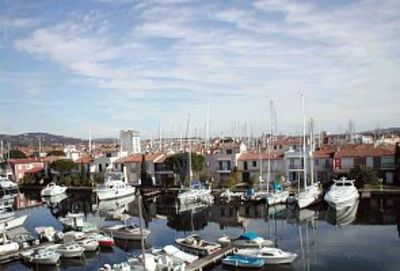Photo for Stylish waterside apartment with fantastic views