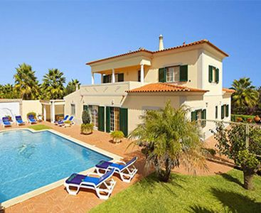 Photo for Spacious house with beautiful gardens, private pool, pool table and air conditioning.