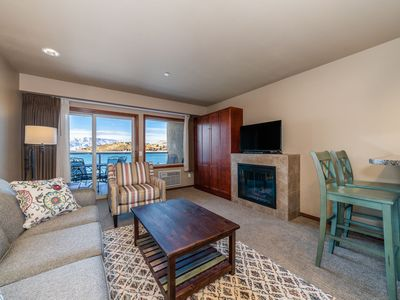 Photo for Grandview Lake View 524! Luxury Waterfront condo, sleeps up to 6!