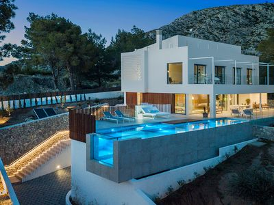 Photo for Sky - Brand New Luxury Villa Infinity Pool & Views
