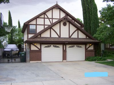 Photo for 4 bdrm with TWO Master Suites! Min from Horseshoe Bend, Antelope Canyon & Lake
