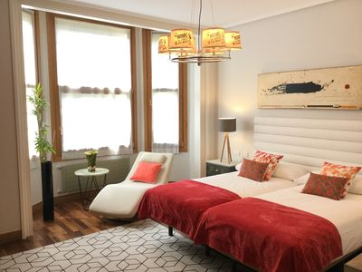 Photo for Gran Via 3 by Forever Rentals. 3 bedroom apartment with wifi in Abando. Groups