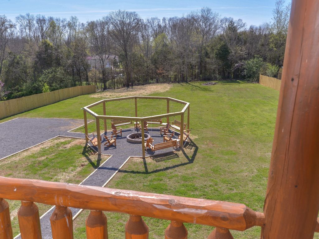 5 Swing Fire Pit Grand Opening Great Ratesbeautiful Log Cabin Sleeps 22 Porch