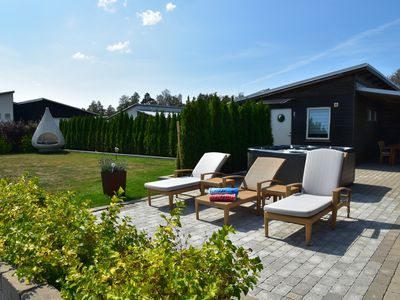 Photo for Holiday home for four persons - 150 to the sea - whirlpool - sauna - garden