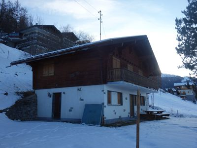 Photo for Rustic chalet in the center of Veysonnaz and close to the gondola for 10 persons. Kitchen equipped w