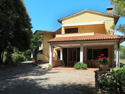 Photo for Apartment Il Montaleo (CMT223) in Casale Marittimo - 6 persons, 2 bedrooms