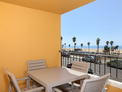 Photo for Heated Pool and Walk to Beach, Pier and Shops