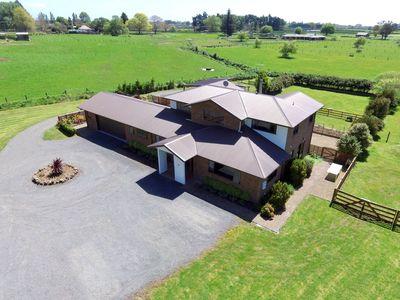 Photo for Rural Living in Town yet minutes from Lake Karapiro and the Velodrome.