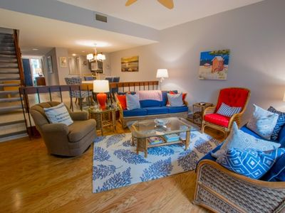 Photo for 3 Brm / 3.5 Bath Villa, Steps from Harbour Town Marina