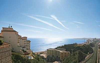 Photo for Lovely 2 bedroom apartment with sea views, pool & short walk to the beach.