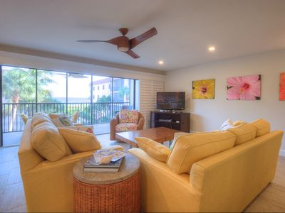 Photo for Shorewood C2:Perfectly Updated Condo in Smaller, Quiet Complex w/ Gulf Views!