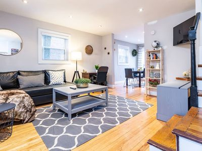 Photo for Gorgeous Home 10 min to DC 5 min to DCA Airport
