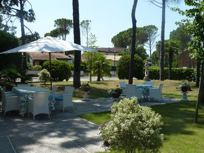 Photo for Central villa near the beach with spacious gardens in Bibione Pined