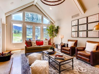 Photo for Great outdoor space, amazing mountain views, close to golf and Edwards Riverwalk: Creature Comforts at Cordillera