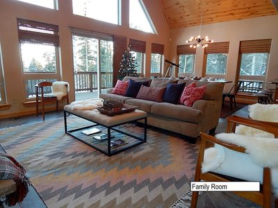 Photo for Cozy Modern-Southwestern Chalet, Perched On the Mountain Close to Ski Access