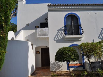 Photo for 3 Bed Apartment with large pool, bar & restaurant. Walk to beach & restaurants