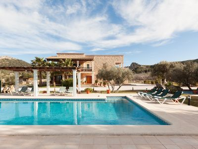 Photo for Spacious country house with pool for 10 + 1 people 3.5km from Alcudia and the sea