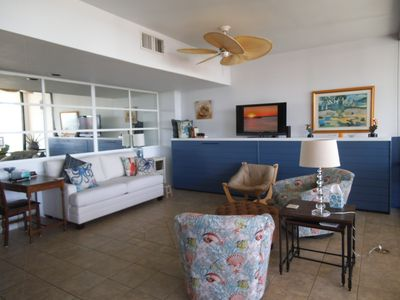 5 Star condo,-10th floor balcony - Lots of amenities - Great Rates/family prop