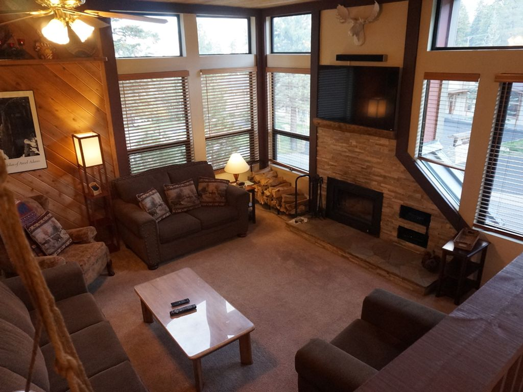 515 1849#515: Remodeled 2bed + 2 bath townhome at the lifts! - 1234090