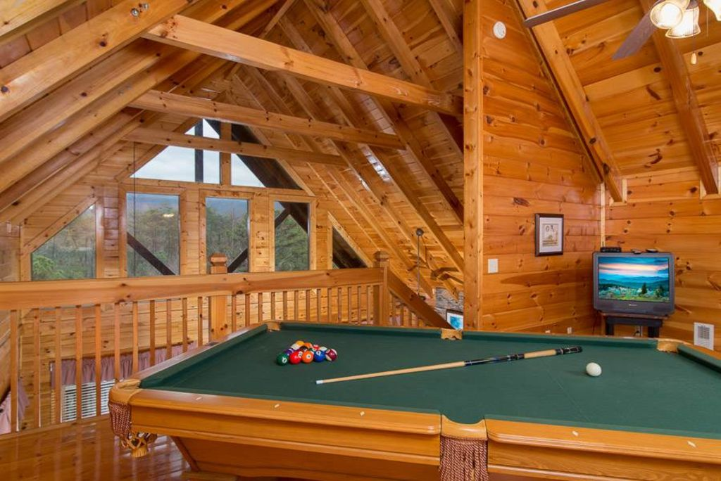 bring the dog pet friendly luxury pigeon forge cabin with
