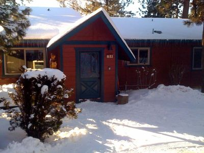 All Seasons Big Bear Cabin w/circular drive
