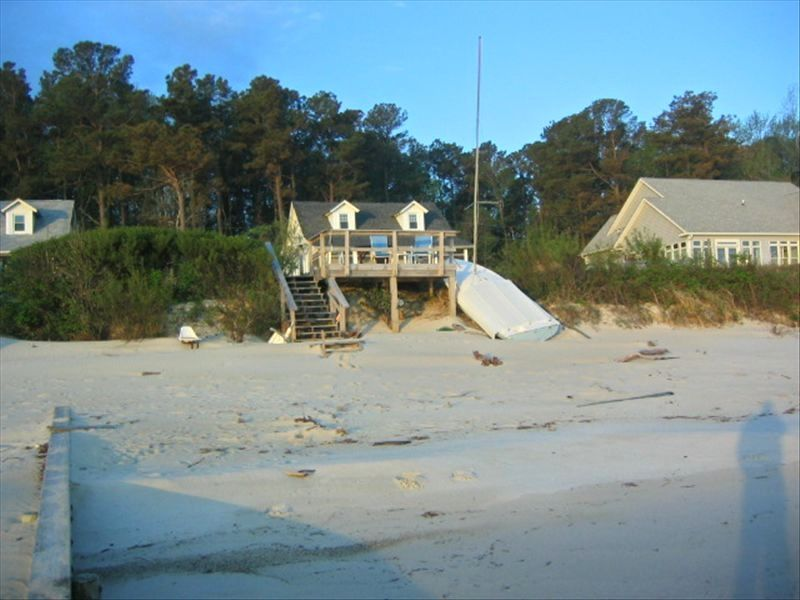 Quiet cottage on white sand beach of chesap homeaway for White sand beach vacations