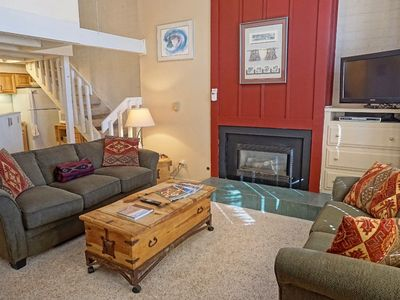 Recently Remodeled, Skiing, Dining, & Shopping Right Outside  (202776-4553)