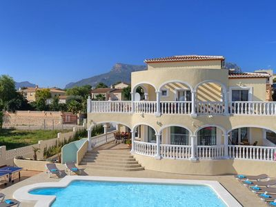 Photo for 5 bedroom Villa, sleeps 10 in Calpe with Pool, Air Con and WiFi