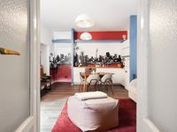 The appartement was very well presented, centrally located and yet very quite. Monica was very