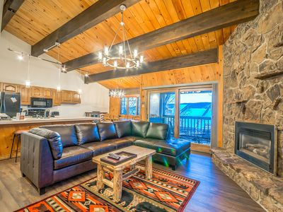 Photo for Extra Large Condo w/ Fantastic Steamboat Location!