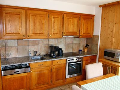 Photo for 3*, 3-bedroom-apartment for 6-8 people, situated at about 1km from the gondola lift and at about 700
