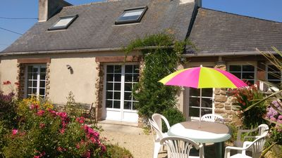 Photo for In Morlaix Bay, sea 3 kms, Charming house in nature