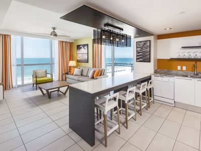 Photo for Stunning 1 Bedroom Deluxe VIP at Wyndham Clearwater Beach 02/15/21-02/22/21