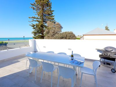 Photo for Luxury beachside accommodation in Robe