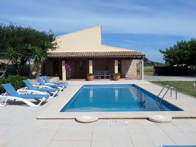 Photo for Country house suitable for any season and with pool.