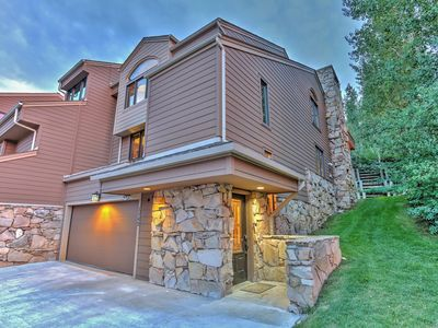 Photo for Beautiful VRBO Condo with private deck and 6 seater Hot Tub!
