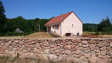 RENT COTTAGE IN THE HEART OF THE PARK THE MORVAN ALL COMFORT IN BURGUNDY
