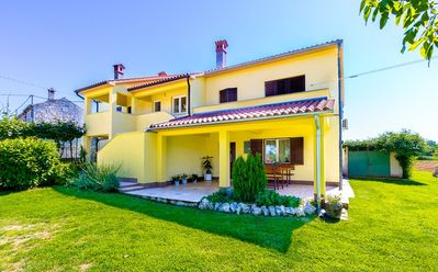 Photo for Holiday house Petehi for 1 - 7 persons with 3 bedrooms - Detached holiday house