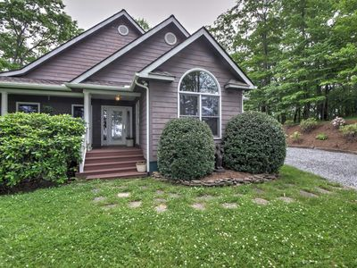 Photo for 4BR House Vacation Rental in Newland, North Carolina