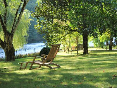 Photo for Cottage on the bank of Lot river and B&B, beautiful environment