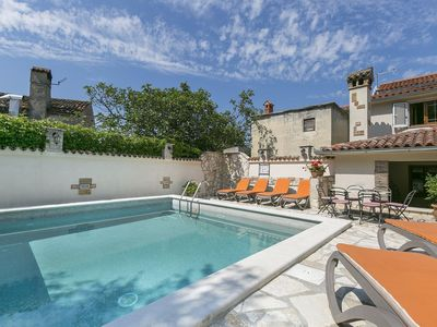 Photo for Charming house with private pool on the east coast of Istria, beach at 4 km