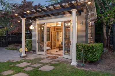 Exterior - Welcome to Seattle! This luxury studio is professionally managed by TurnKey Vacation Rentals.