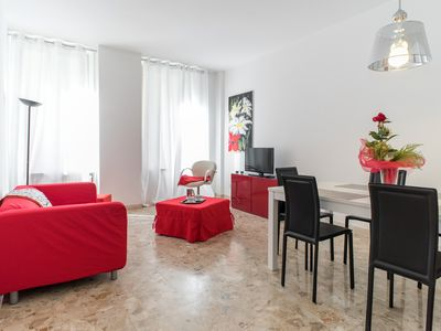 Photo for Dimora Cantore 4-Spacious and bright 2 bedrooms apartment, sleeps 5.